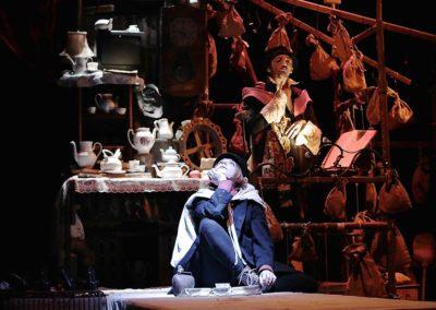 ET QUE VIVE LA REINE # Théâtre musical